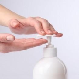 Ahorre dinero fabricando su propio jabón líquido